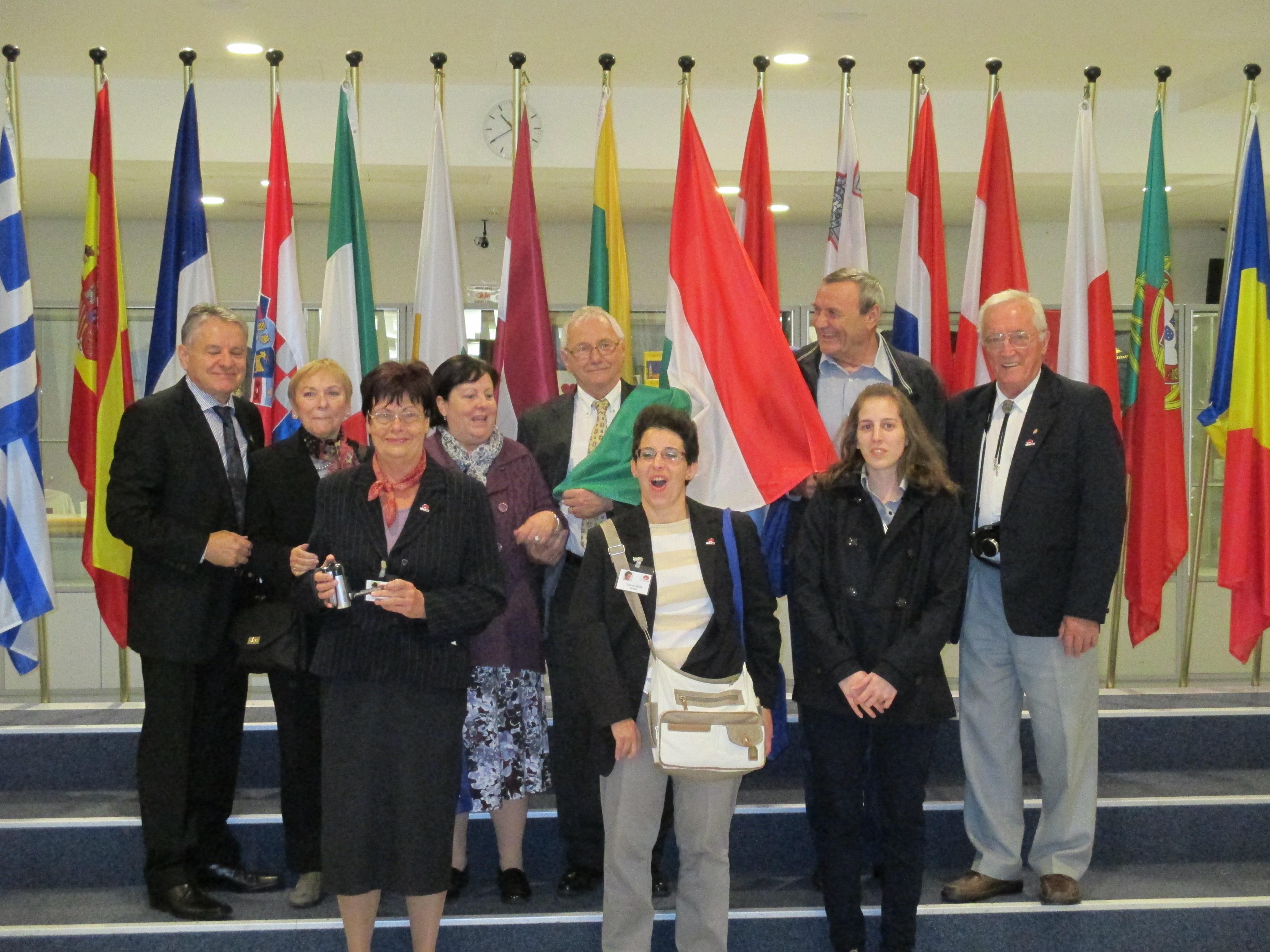 Brüsszelben járt az Afázia Egyesület és a Démosztehenész Egyesület képviselői